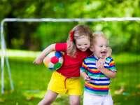 10 szuper játékszabály, hogy lekösd a nyaraló gyerkőcöket kint vagy bent